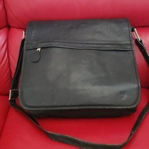 FRYE Vintage Messenger Bag Black Leather